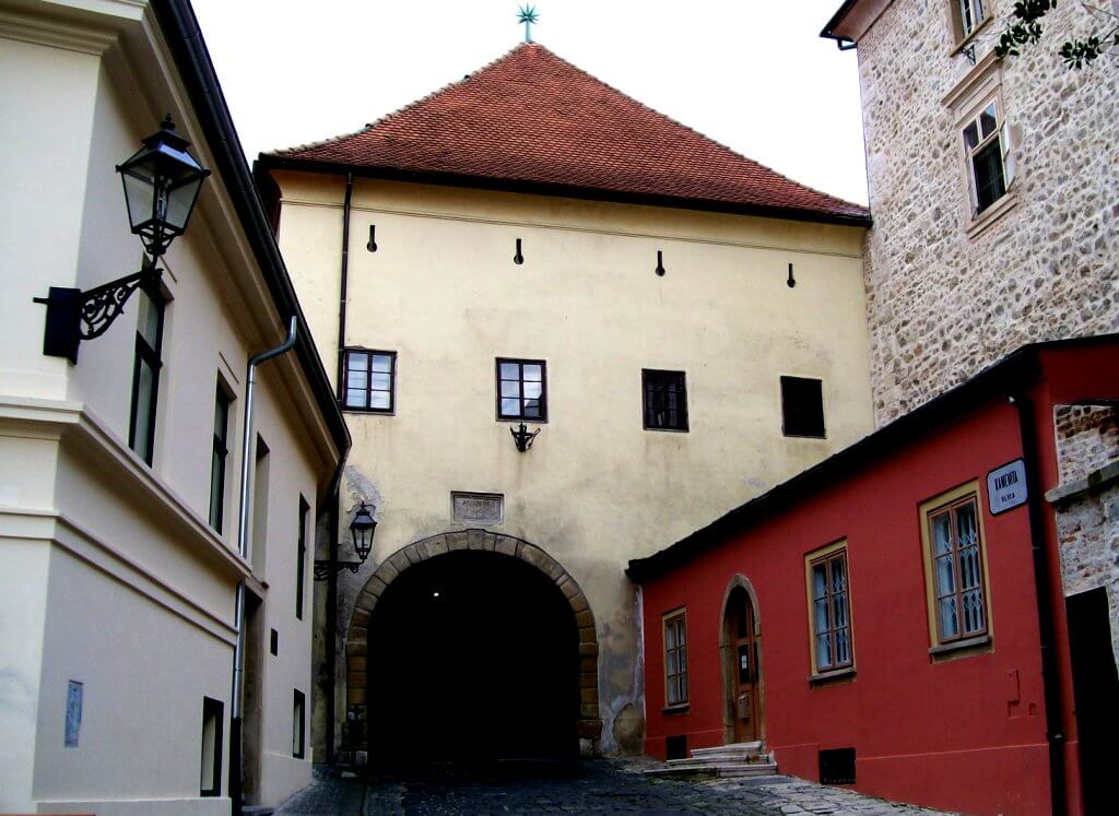 The Stone Gate, Zagreb