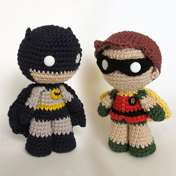 Toy Art Amigurumi Batman e Robin - by Crochelandia