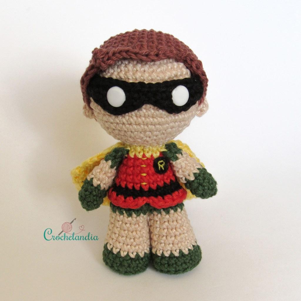 Toy Art Amigurumi Robin - by Crochelandia