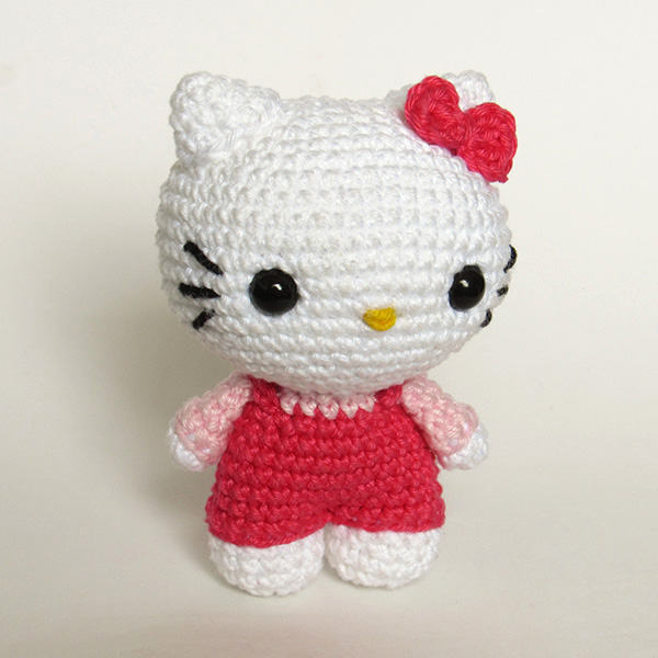 Hello Kitty Amigurumi - by Crochelandia
