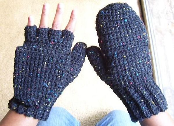 Knitting Pattern For Fingerless Mittens With Flap : 8 Fingerless Glove Patterns to Crochet   Crochet