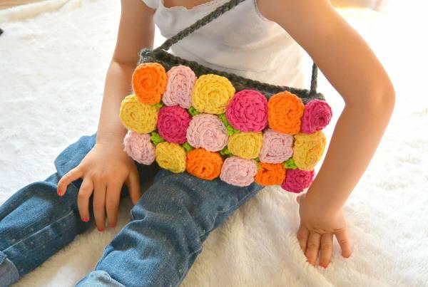 Easy-Rose-Crochet-Purse