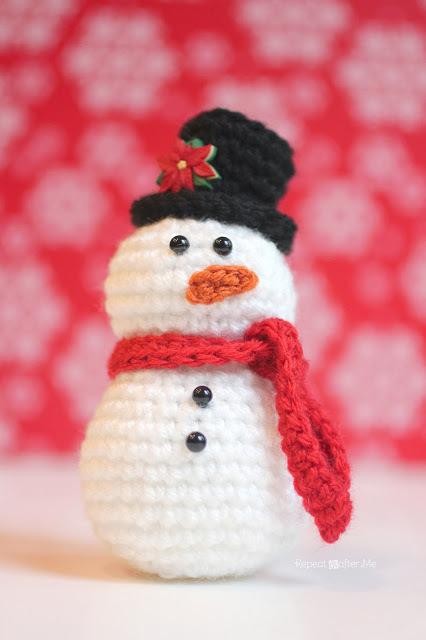 CrochetSnowman1