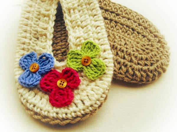 free-crochet-pattern-slippers-with-flowers2