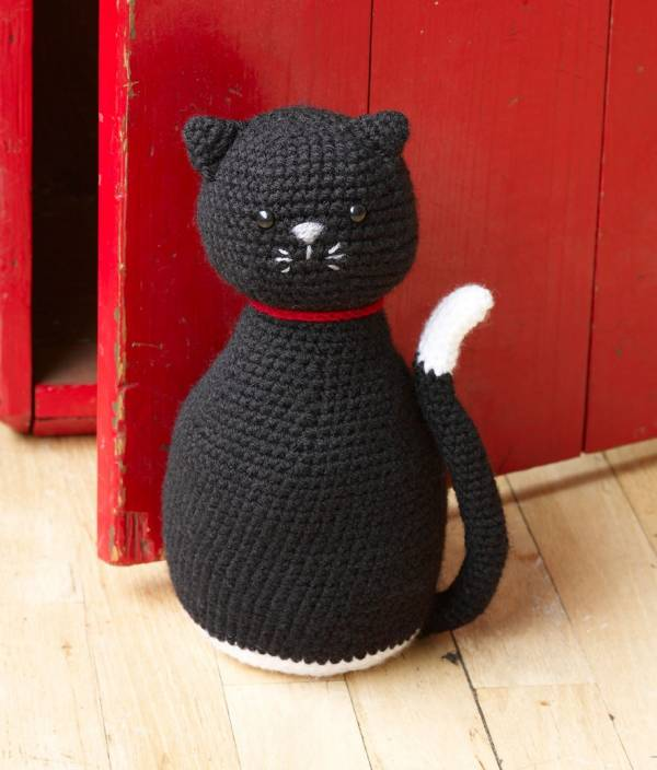Cute black cat - Free amigurumi pattern | 704x600