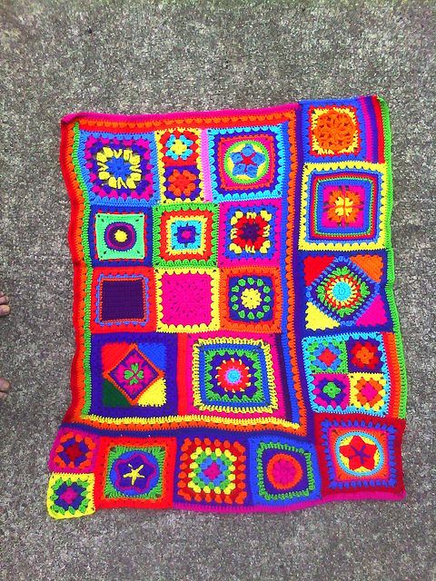 Putting the afghan that has eluded me together (almost)