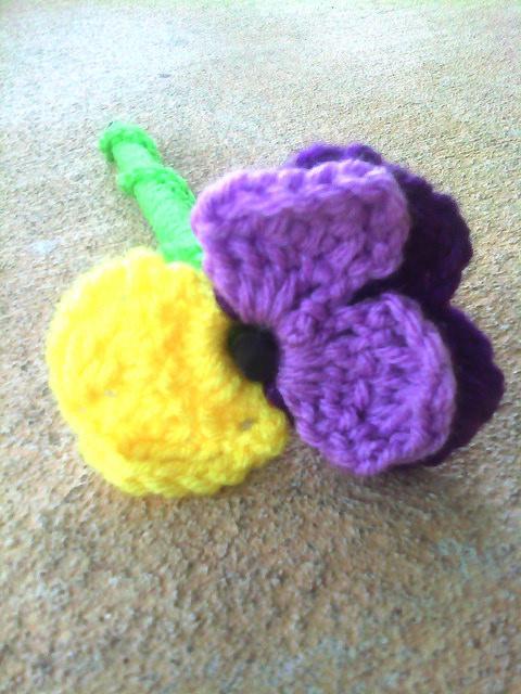 crochet viola