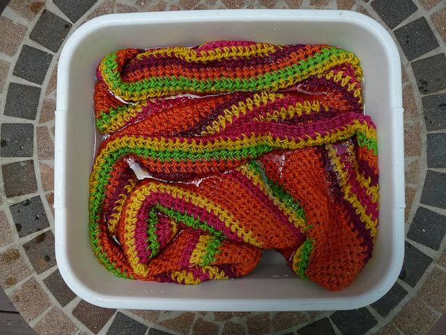 fixing yarn dye