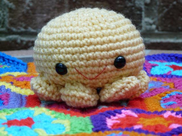 Paul a crochet octopus amigurumi