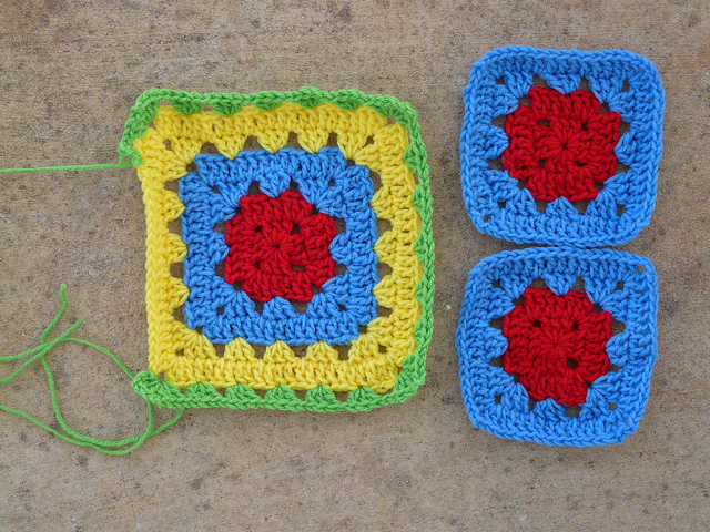 The beginnings of my granny square mash-up bag