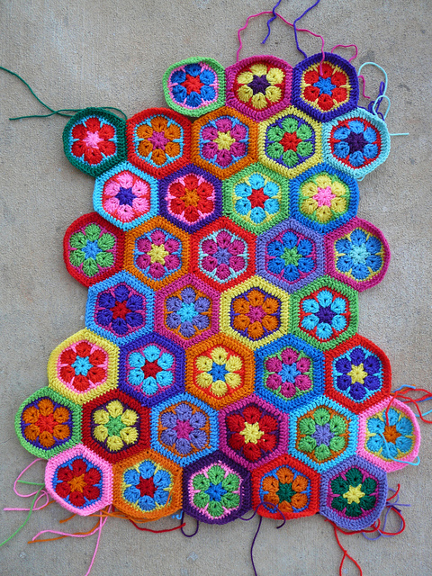 crochet hexagon motifs for a crochet mama bag