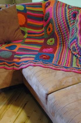 crochetbug, crochet, crochet squares, crochet flowers, crochet blanket, crochet afghan, crochet throw, crochet stripes, granny squares