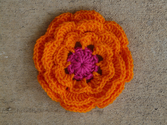 textured crochet flower for the center of a crochet square