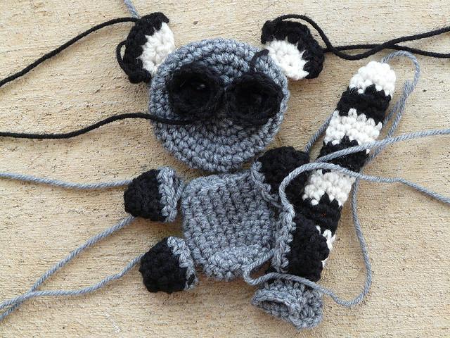 crochetbug, crochet lemur, amigurumi lemur, crochet toy, diy toy, diy wedding present