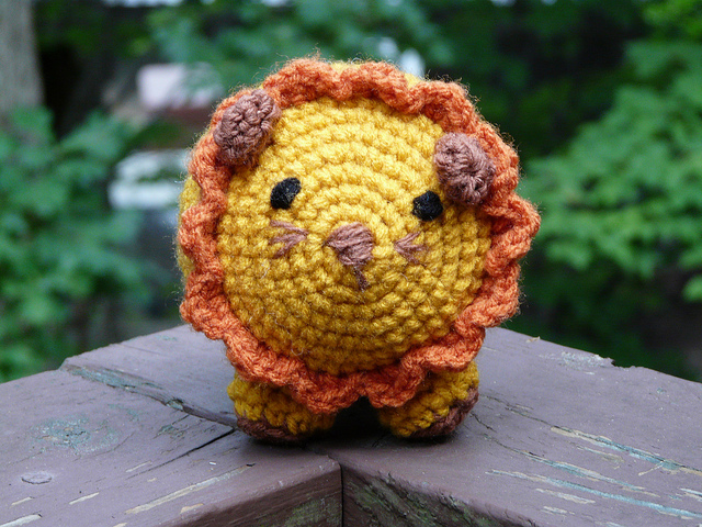 crochetbug, crochet lion, amgurumi lion, crochet toy, toy lion, diy toy, crocheted, crocheting