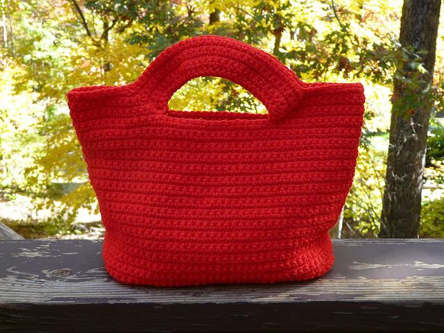 crochetbug, crochet purse, crochet tote, crochet bag, vintage yarn, red, crocheted, crocheting