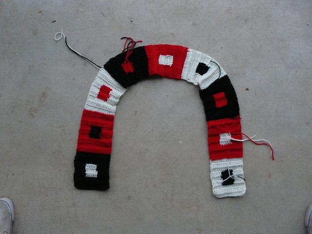 crochetbug, crochet scarf, crochet hat, josef Albers, crochet beanie, crochet cap