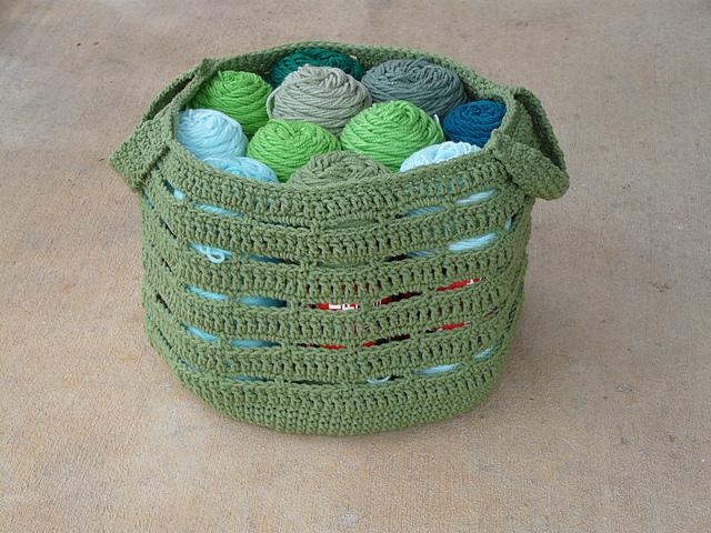 crochetbug, crochet basket, crochet bag, yarn stash, use what you have