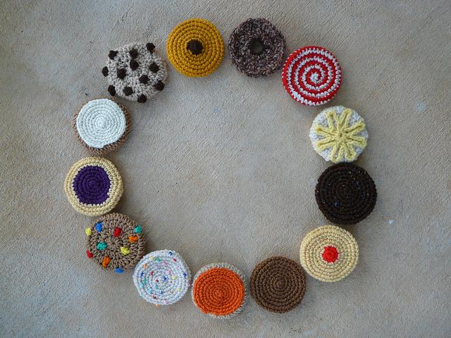 thirteen crochet cookies