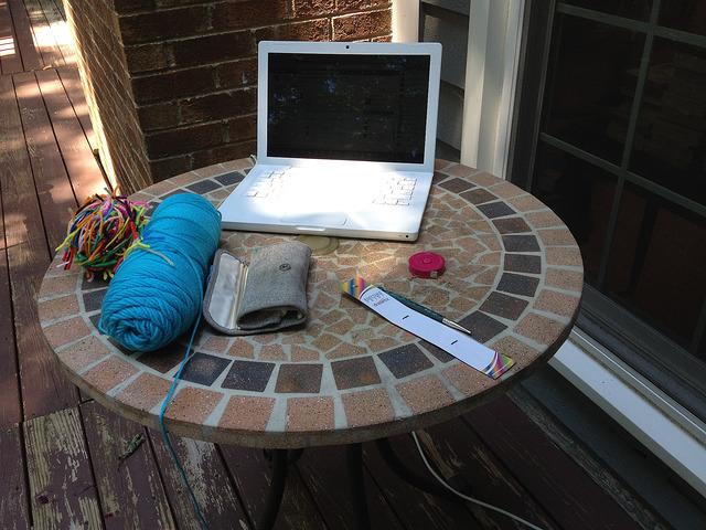crochetbug, crochet en plein air, plein air crochet, crocheted, crocheting