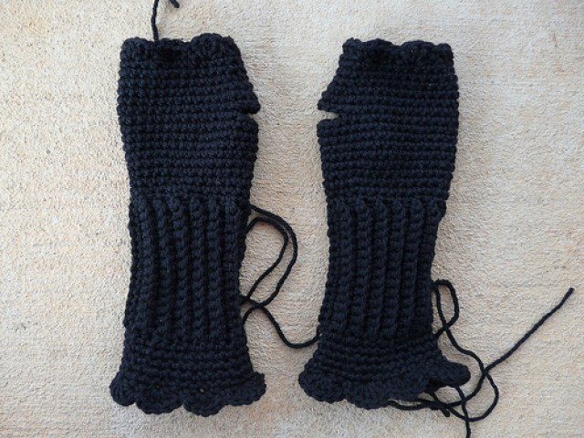 textured crochet fingerless gloves made with black vintage yarn