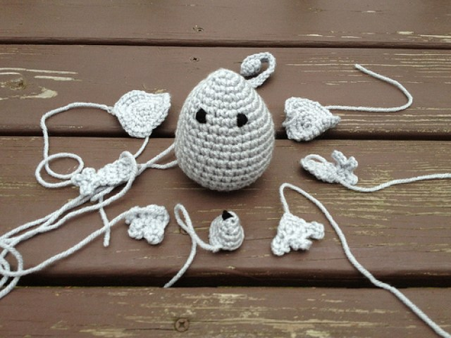 crochet mouse, crochetbug, amigurumi mouse, crochet pocket friend