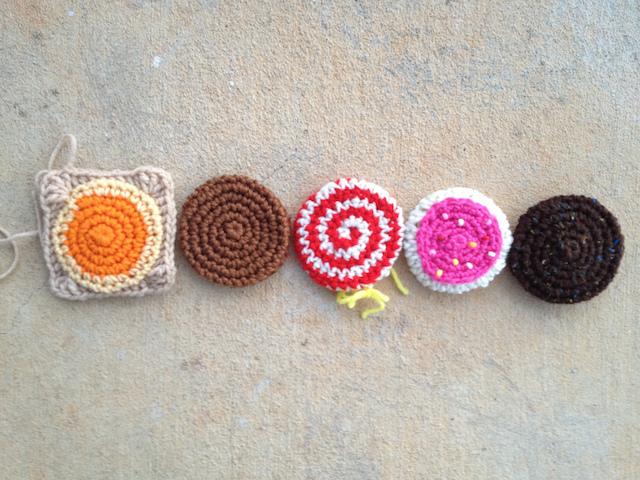 Five crochet cookies