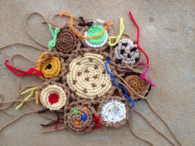 Another crochet cookie motif
