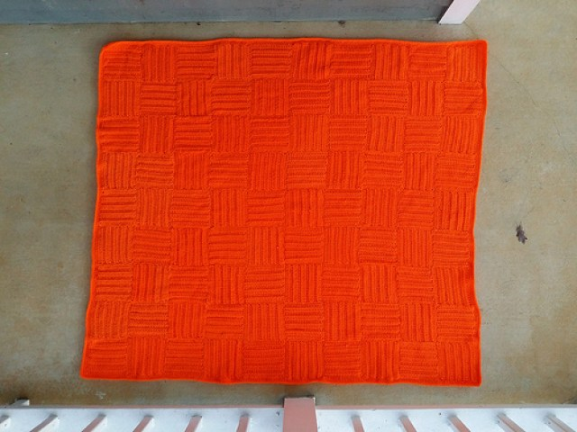 crochetbug, ribbed crochet squares, textured crochet squares, crochet blanket, crochet throw, crochet afghan, orange, naranja