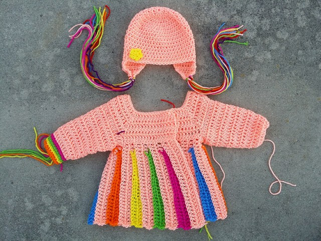 crochet hat, crochetbug, crochet beanie, crochet flower, crochet applique, applique crochet, crochet sweater, crochet rainbow,