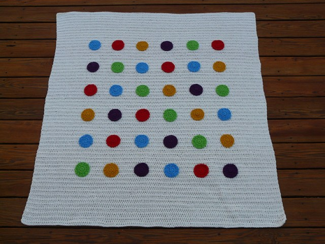 crochet blanket with crochet dots