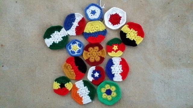 crochet hexagons and pentagons for a crochet soccer ball