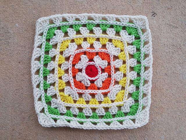 popping granny square motif