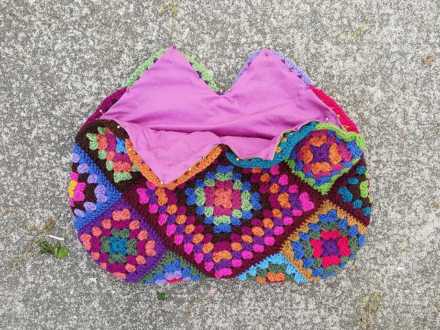 fabric lined crochet purse
