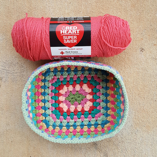 A crochet lunch box to be