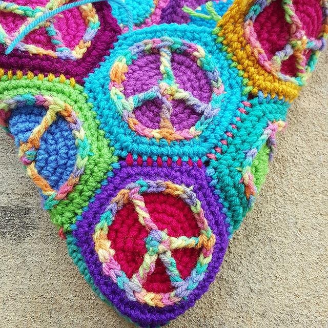 crochetbug, crochet circles, crochet peace sign, crochet purse, crochet hexagons, crochet hexagon
