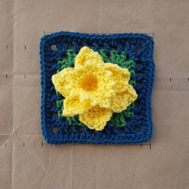 crochetbug, crochet, crochet afghan, crochet squares, 101 crochet squares, jean leinhauser, project amigo, crochet afghan, crochet blanket, crochet throw, crochet flower, crochet daffodil, armadillo, yellow