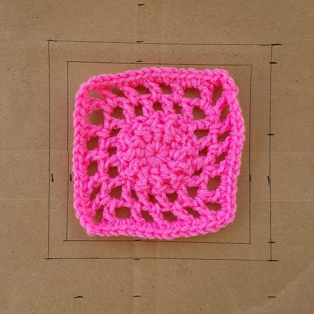 crochetbug, crochet, crochet afghan, crochet squares, 101 crochet squares, jean leinhauser, project amigo, crochet afghan, crochet blanket, crochet throw, crochet flower, textured crochet, pink, rosado