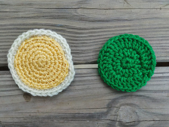 crochetbug, crochet remnant, crochet square, granny square, crochet circles