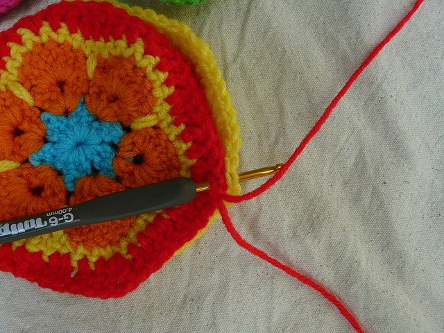 joining two crochet hexagons