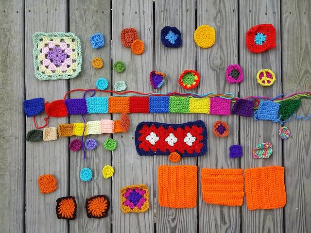 Modest progress on the same crochet remnants