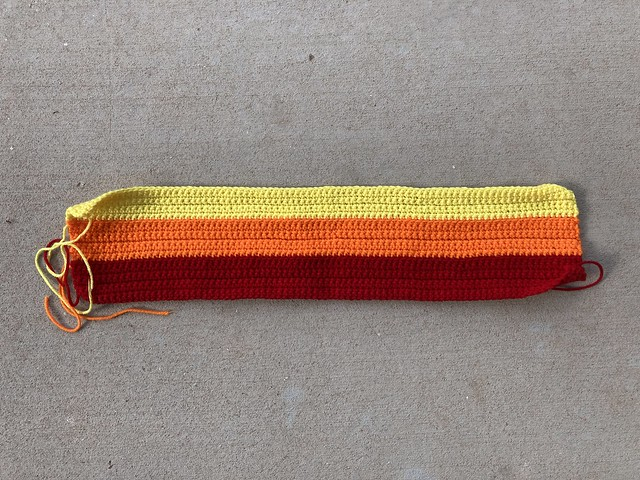 I get a much needed crochet reset by starting on a rainbow inspired pleated purse