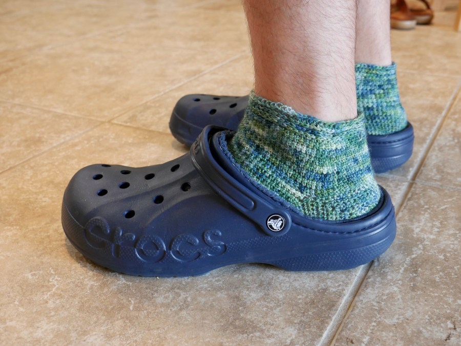 crochet socks with crocs