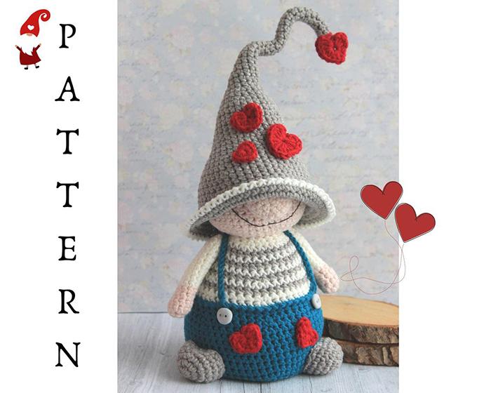 Valentine's Love me gnome