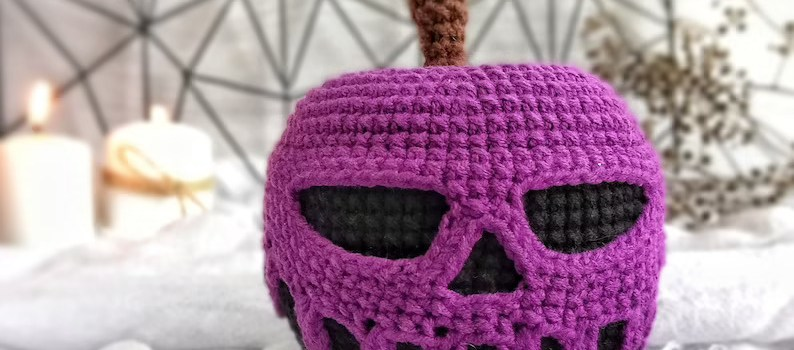 Poisoned Apple Crochet Pattern by FayniToys