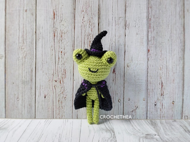 wizard frog amigurumi