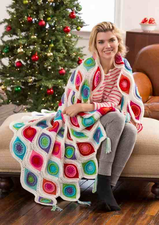 Free Crochet Pattern: Retro Ornament Throw