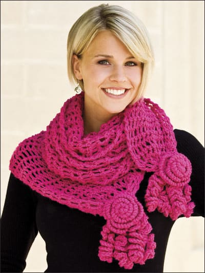 Free Crochet Pattern: Roses and Lace Scarf