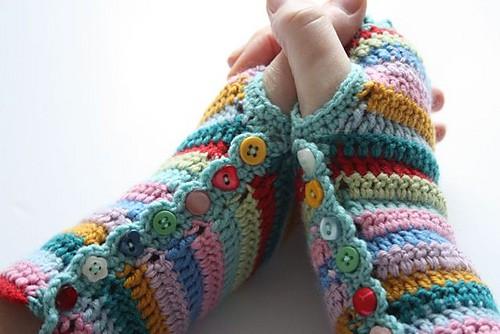 Free Crochet Pattern: Stripey Mitts