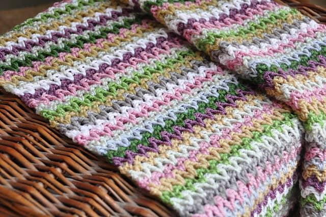 Free Crochet Pattern: V-Stitch Blanket